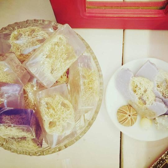Σαπούνι Γλυκερίνης και ελαιολάδου με Λούφα